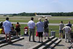 Aussichtsplattform am Flughafen Fuhlsbüttel - Planespotter.