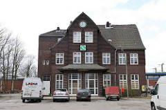 Alter stillgelegter Bahnhof Billwerder Klinkergebäude.