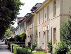 Wohnblock der 1930er Jahre in Hamburg Eissendorf - Bilder aus den Hamburger Bezirken und Stadtteilen - Architektur in der Hansestadt Hamburg.