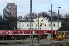 Historischer Bahnhof Sternschanze - S-Bahnzug.