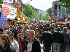 Strassenfest in Hamburg Eppendorf - Eppendorfer Landstrasse, Besucher - Gedränge.