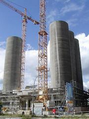 Baustelle Schellerdamm - Hamburg Harburg; Umbau eines Getreidesilos zum Buerogebaeude. (2001)