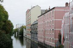 Rückseite der Hegestrasse - historische Industriegebäude am Isekanal - Hamburger Architekturgeschichte.