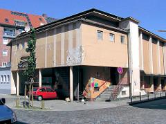 Architektur in den Hamburger Stadtteilen - Gebäude der Savoy Park Garage (2004)