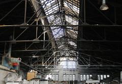 Lagergebäude am Billbrookdeich - Dachkonstruktion mit Oberlicht.