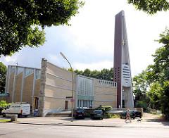 Dreifaltigkeitskirche Hamburg Hamm - zerstört 1943 - (wieder) erbaut 1957; Architekt Reinhard Riemerschmid.