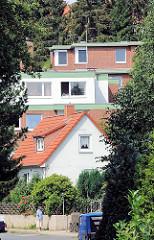 Wohnhäuser in unterschiedlichen Architekturstilen - Bilder aus Hamburg Eißendorf.
