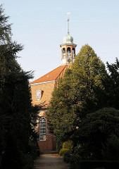 Kirche Niendorfer Marktplatz - 1770 fertig gestellter Barockbau, Architekt Heinrich Schmidt.