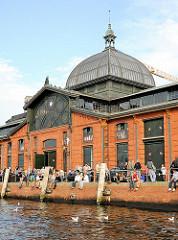 Ehem. Fischauktionshalle in Hamburg Altona - historisches Gebäude am Altonaer Hafen.