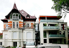 Historische und moderne Architektur in Hamburg Lokstedt.