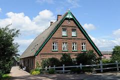 Bäuerliches Backsteingebäude an der Deichstrasse von Hamburg Allermöhe.
