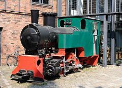 Restaurierte Lokomotive der Industriebahn in Hamburg Ottensen.