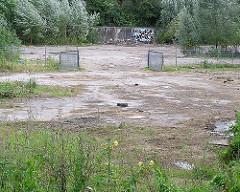 geräumtes Areal des Wendebeckens der ehem. Hamburgischen Schiffbau Versuchsanstalt. (2004)