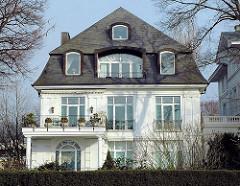Stadtvilla an der Alster - Wohnhaus an der Schönen Alster mit Alsterblick.