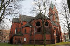 Seitenansicht der Heiligengeistkirche - erbaut 1903 - Architekt Hugo Groothoff; entwidmet 2005.