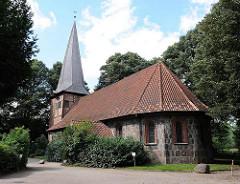 Alt-Rahlstedter Kirche - Feldsteinkirche aus dem 13. Jahrhundert.