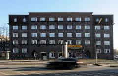 Fotos aus Hamburg - Bilder der Stadtteile - Klinkerwohnblock in der Kieler Strasse