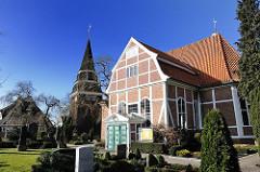 Foto vom Friedhof und St. Johanniskirche in Curslack