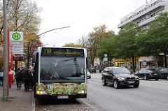 Bushaltestelle Bramfelder Chaussee; Autobus der HVV.