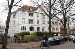Wohnhäuser in Hamburg - Stadtteil Groß  Flottbek - Bellmannstr.