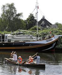 Fotos Kanuausfahrt auf der Dove Elbe - Familienausflug auf dem Wasser.