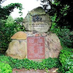 Gedenkstein zur Erinnerung an die Gefallenen der beiden Weltkriege in Hamburg GUT MOOR.