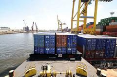 Kaiser-Wilhelm-Hafen auf Hamburg Steinwerder - Containertransport mit Leichtern