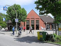 Kleekamp Hamburger Hochbahn Haltestelle Fuhlsbüttel. Restauriertes Gebäude der U-Bahnstation.