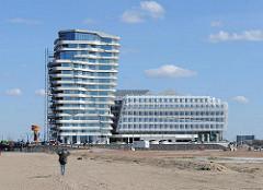 Neues Uunileverhaus im Stadtteil Hafencity Bezirk Hamburg Mitte - Hamburger moderne Architektur - Glas Stahl und Beton.