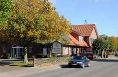 Gebäude in der Lemsahler Dorfstasse.