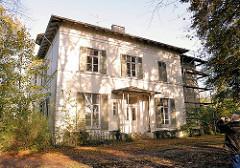 Leerstehende Amsinckvilla im Amsinckpark von Hamburg Lokstedt; 1870 erbaut, Architekt Martin Haller - Fotos aus den Stadtteilen Hamburgs.