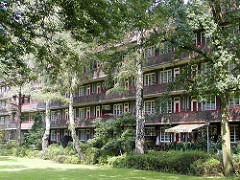 Bilder aus Hamburg Nord - Fotos vom Dulsberg - Francksche Laubengänge - Backsteinarchitektur.