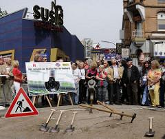 Start der Bauarbeiten für den Beatles Platz im Hamburger Stadtteil St. Pauli.