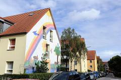 Bunte Hausfassade eines Wohnblocks Hamburg Heimfeld - Hangstrasse