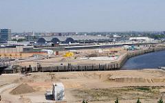 Bilder aus der Hamburger Hafencity - Magdeburger Hafen, Bakenhafen - Baustelle am Versmannkai - Gemüsehallen.