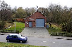 Gebäude Freiwillige Feuerwehr -  Moorburger Elbdeich.