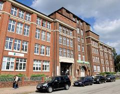 Historisches Fabrikgebäude / Industriearchitektur in Hamburg Hamm - ehem. Papierfabrik, erbaut 1915.
