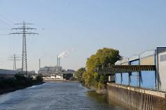 Wasserwege Hamburgs Tidekanal in Billbrook Gewerbearchitektur Moorfleeter Strasse