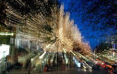 Weihnachtliches Lichterspiel in der Mönckebergstrasse - Bilder aus dem Hamburger Stadtteil ALTSTADT.