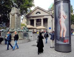 Ehem. Bücherhalle am Mönckebrunnen - Entwurd Fritz Schumacher; Brunnenskulpturen vom Bildhauer Georg Wrba.