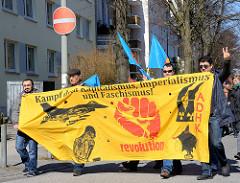 Ostermarsch Hamburg - Transparent Kampf dem Kapitalismus, Imperialismus und Faschismus.