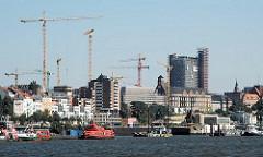 Baustellen in Hamburg St. Pauli - Baukräne.