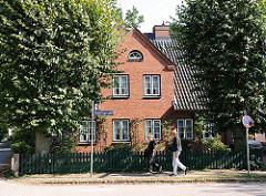Historisches Backstein-Wohnhaus in HH-Nienstedten.
