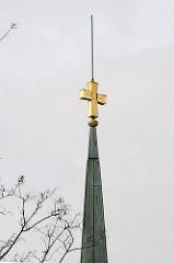 Kirchturmspitze Kirche Heilig Kreuz.