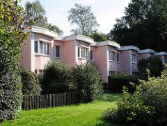 Reihenhäuser in rosa - Farmsener Gartenstadt - Wohnen in Hamburg - Hamburger Architekturfotografie.