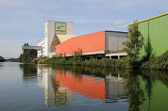 Stadtteil Hamburg Billbrook - Bezirk Hamburg Mitte Billbrookkanal - Lagerhäuser am Kanalufer
