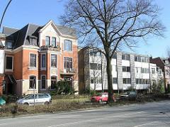Historische und moderne Wohnbebauung - Hamburs Architektur in den Stadtteilen - Eppendorf, Tarpenbeckstrasse.