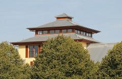 Pagodenförmiger Dachbereich des Park Hotels Hagenbeck.