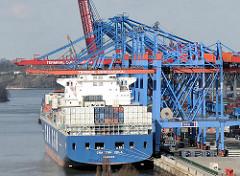 Containerschiff am Containerterminal Burchardkai - Bilder aus dem Hamburger Stadtteil Waltershof.