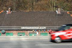 Sturmflutsicherung - Strassenerhöhung beim Altonaer Hafenbahnhof.